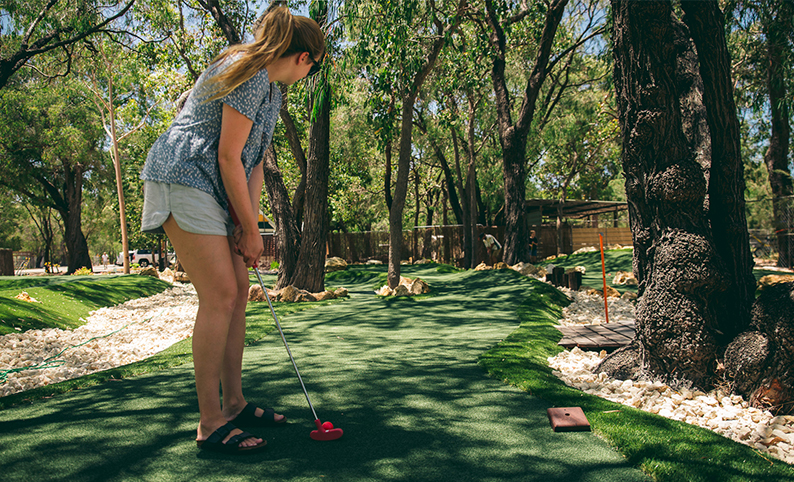 Things to do in Busselton | The Par 3 | Golf, Minigolf, Cafe. 9 Hole Golf Course. Putt Putt Golf. Lunch in Margaret River. Cafe Busselton.